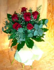 Imagen media docena de Rosas Rojas - Lafuente floristas - Tu floristería en Santander y Cantabria
